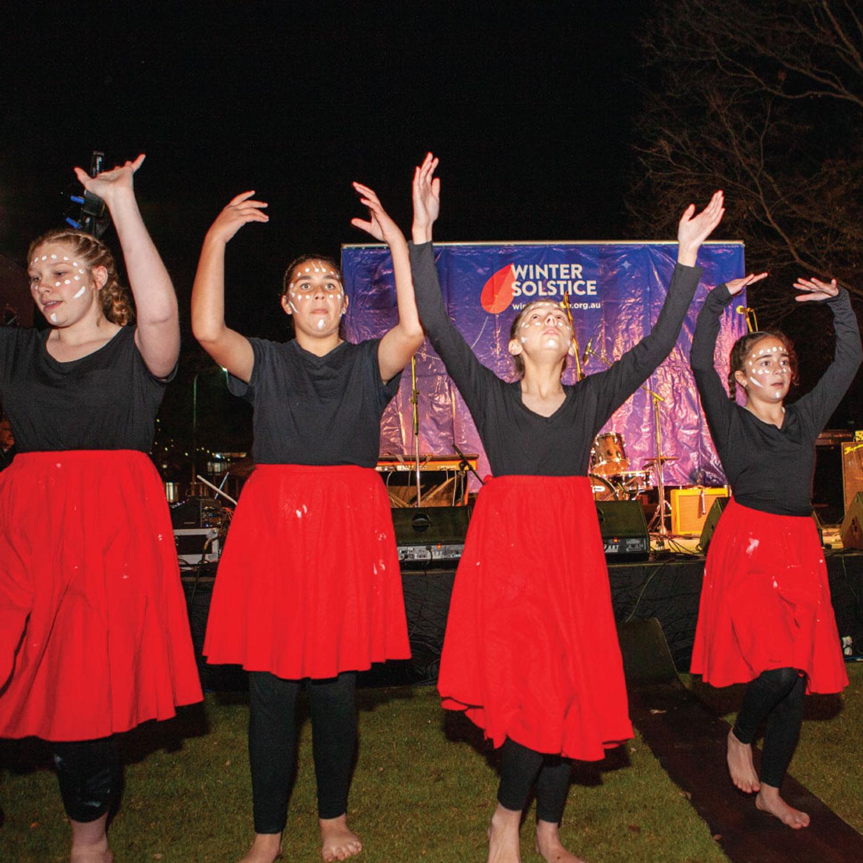 James Fallon's Wiradjuri Dance Troupe